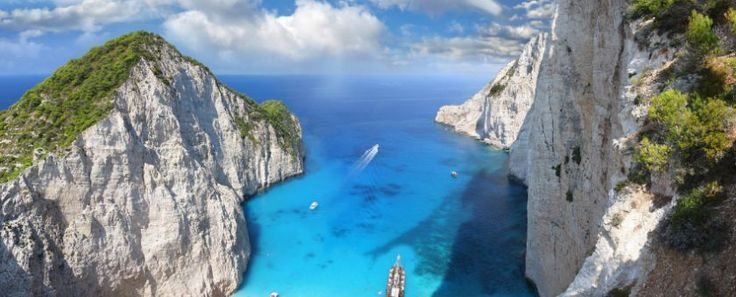 navagio beach with shipwreck in zakynthos 2, greece© samott #checkin #trivago