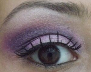 Makeup cu Stargazer folosind o tehnica foarte interesanta <3 http://bit.ly/1cWe80r
