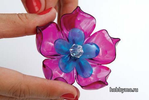 Flower from a plastic bottle
