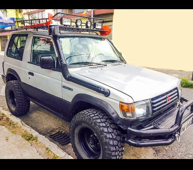 Mitsubishi Montero 1993 2 6lt Home Made Bumper Roof Rack Snorkel Made Out Of Water Pipes And Plants Pot Snorkeling Offroad Homemade Voiture