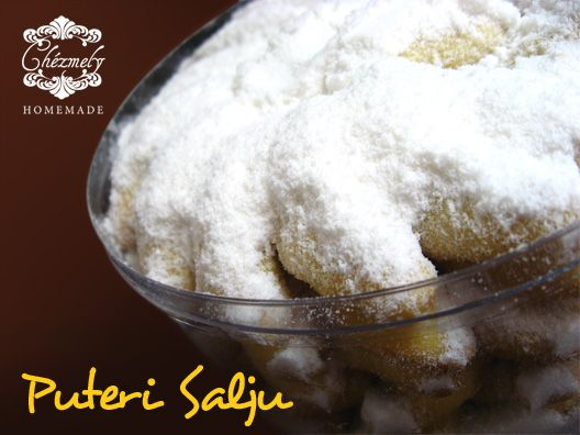 Putri Salju, cashew nut butter cookies covered with mint flavour icing sugar.