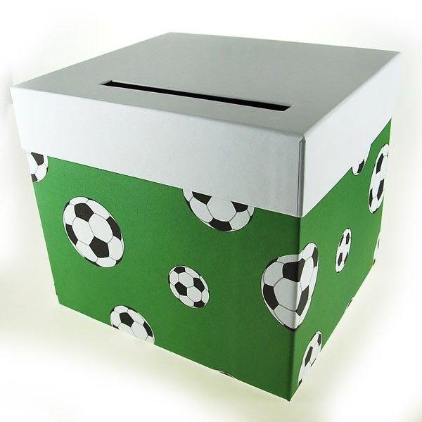 Urne pour anniversaire, mariage ou une fête sur le thème du football, dimensions de l'urne : 20 x 20 centimètres.