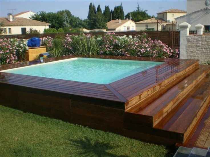 Terrasse bois piscine hors terre diverses id es de conception de patio en bois for Piscine semi enterree bois