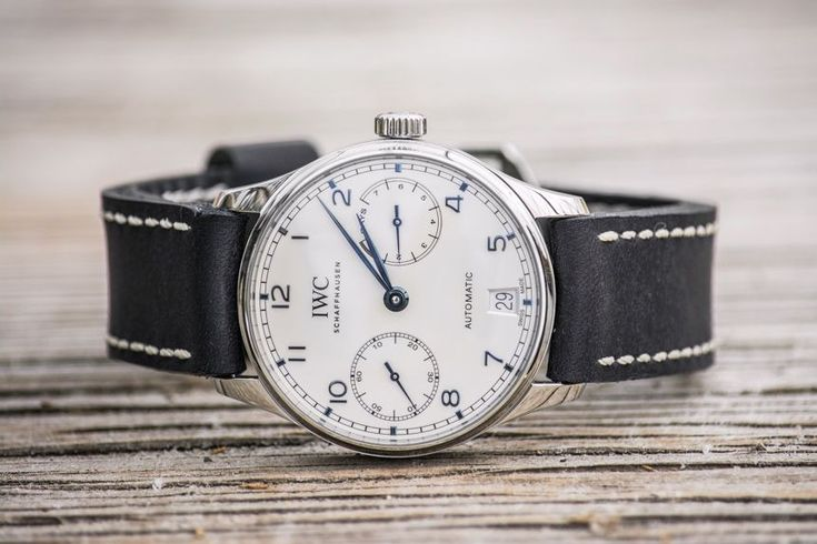 Full wrist-time review & original photos of the IWC Portugieser Automatic IW5007 watch including price, background, specs, & analysis.