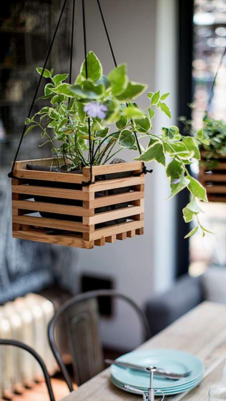 Diy Hanging Planter, Wood Planter Box, Wood Planters, Garden Planters, Hanging Baskets, Planter Ideas, Pergola Planter, Decoration Palette, Diy Garden