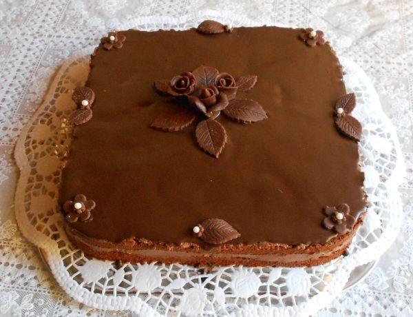Fotorecept: Čokoládova torta bez múky - Tortička je lahodná,vhodná pre tých ktorý obľubujú menej sladký dezert.