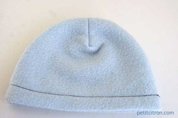 Nouveau patron de couture : le bonnet en polaire Parfait pour l'hiver, ce bonnet est en plus un super projet pour tout le monde !