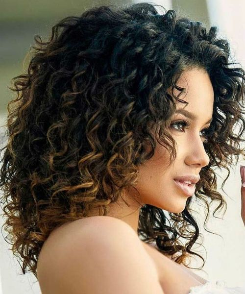 Most Desired Medium Curly Hairstyles 2020 To Look Hot And Glamorous Trendy Hairstyles In 2020 Medium Curly Hair Styles Shoulder Length Curly Hair Curly Hair Styles Naturally