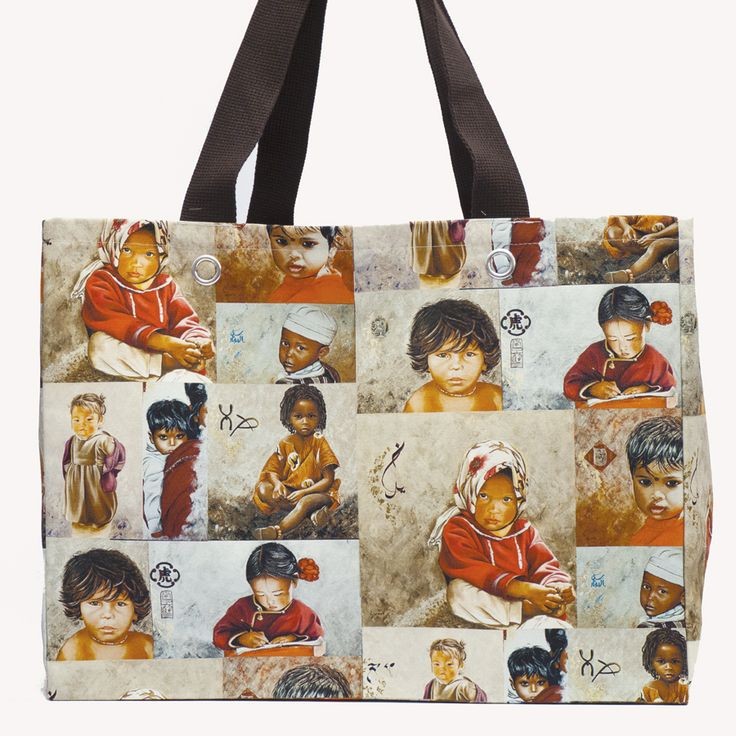Grand cabas patchwork Enfants du monde  Site : http://www.lysandcreations.com/boutique/liste_rayons.cfm?