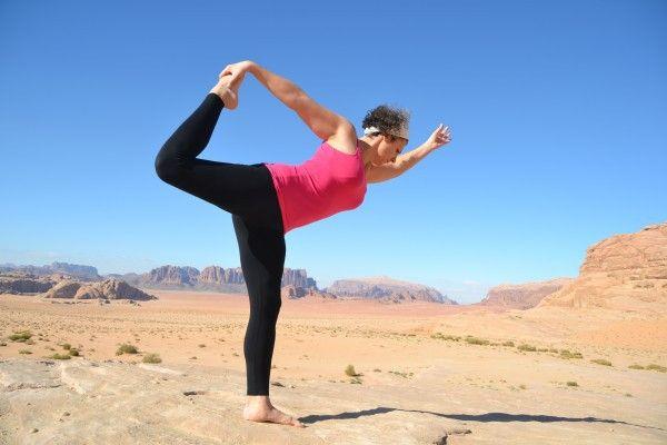 Para lograr la gran meta del hatha yoga y del ayurveda debemos comenzar trabajando con el cuerpo físico (templo del Atman). Para esto, los Maestros de...