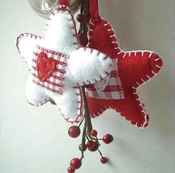Leuke sterren Zelf maken? kijk voor uni vilt en geruit vilt eens op http://www.bijviltenzo.nl: