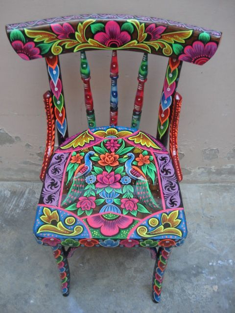 Definitely want to do this with my next table set! :) Hand painted chair #ChairArt