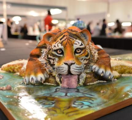 'Tiger Drinking Water' Cake