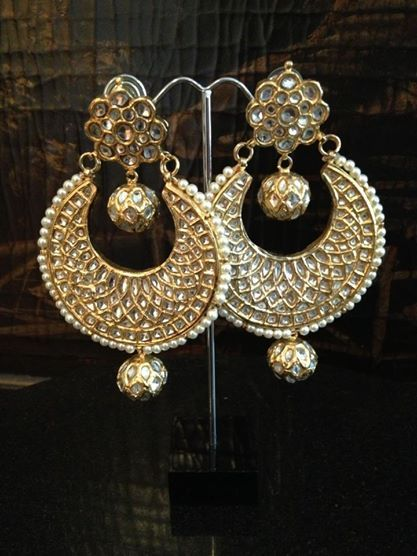 Kundan Earrings n order estimated time 4 weeks More details please Inbox Us!! contact :Aiiyzz@hotmail.com We also offer worldwide shipping Separate shipping charges are applied for international deliveries.