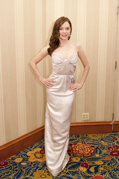 Rose McGowan Evening Dress - Rose dons a nude evening dress with a sexy silhouette and subtle print.