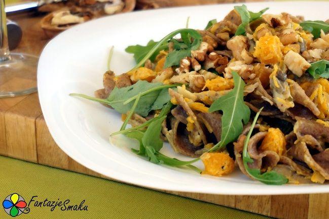 Makaron żytni z dynią, boczniakami i orzechami włoskimi http://fantazjesmaku.weebly.com/makaron-380ytni-z-dyni261-boczniakami-i-orzechami-w322oskimi.html