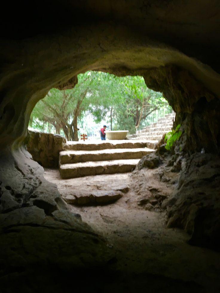 Vietnam, Hoa mu caves