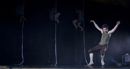 Uldda Nieida (2008) - Koreografi Julia Planterhaug - Dansere Kristine Mari Hansen, Ratih Windrati, Julia Planterhaug & Björn Nilsson - Foto ukjent