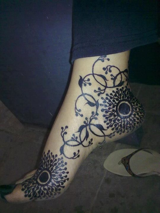 "Sudanese Henna - such beautiful designs, so sad it's ""Black Henna"""
