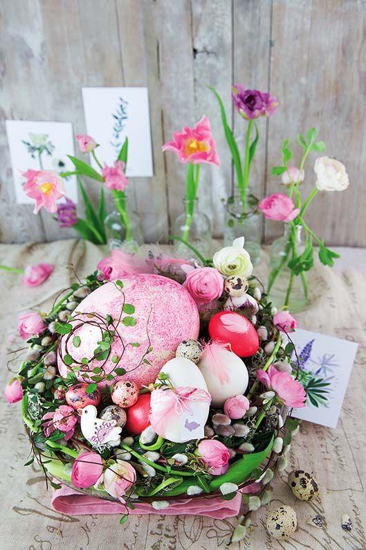 Stroik wielkanocny. Zdjęcia i stylizacja: Kinga Błaszczyk-Wójcicka, Anna Simon. #Wielkanoc2017 #Wielkanoc #stroik #wielkanocny #dekoracje #dekorowanie #pisanki #jajka #malowanie #włóczka #kratka #jaja #świąteczne #inspiracje #wielkanocne #stroiki #stół #ozdoby #dom #stylizacja #wnętrza #Polska #Easter #eggs #flowers #deco #decorations #inspirations #bunny #yellow #ideas #DIY #beautiful #pretty #homemade #rękodzieło #ozdabianie #jajek #własnoręcznie #dzieła #wyrób #kolorowy #country #pomysły
