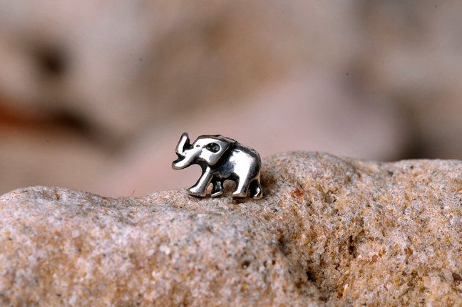ELEPHANT Nose Stud / Nose Ring - sterling Silver Tiny Elephant