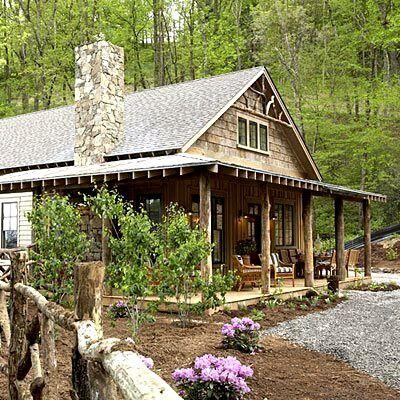Cute cabin in the mountains in Asheville, North Carolina