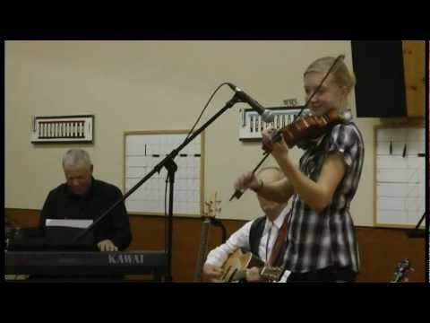 Pig Pen Polka and Plaza Polka Medley - Susanna Heystek playing in Wetask...