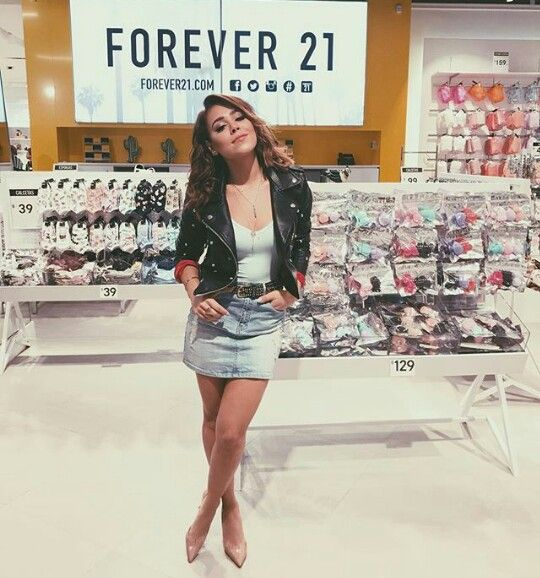 Forever 21 Danna Paola