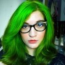 Arabelle Sicardi - few people can pull of green and look this pretty!