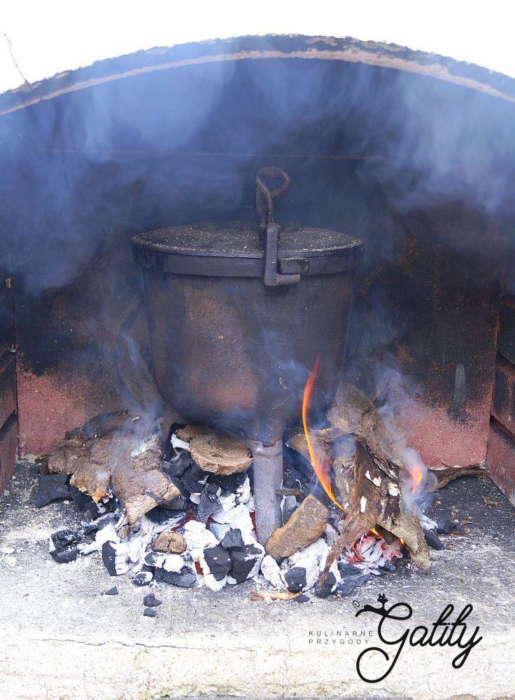 Kulinarne przygody Gatity - przepisy pełne smaku: Klasyczny kociołek z ogniska, czyli pieczonki