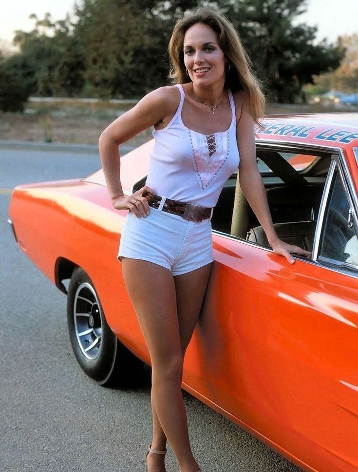 THE DUKES OF HAZZARD CATHERINE BACH DAISY DUKE 8X10 PHOTO GENERAL LEE 1969 DODGE | Entertainment Memorabilia, Television Memorabilia, Photographs | eBay!