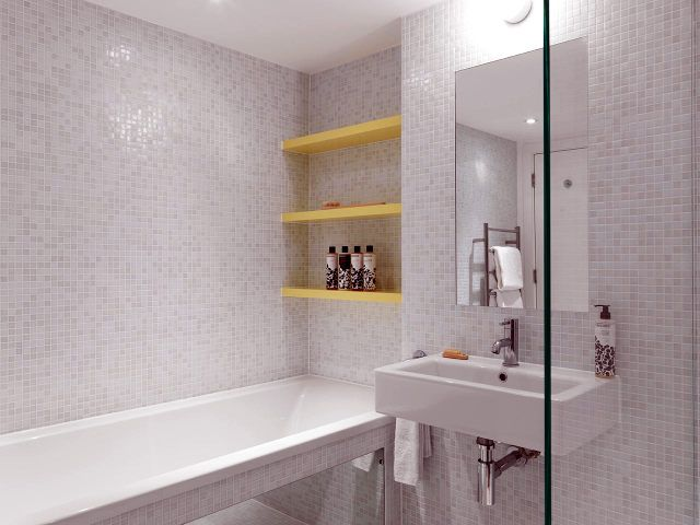 172 best images about id e maison st priest on pinterest - Mosaique salle de bain blanche ...