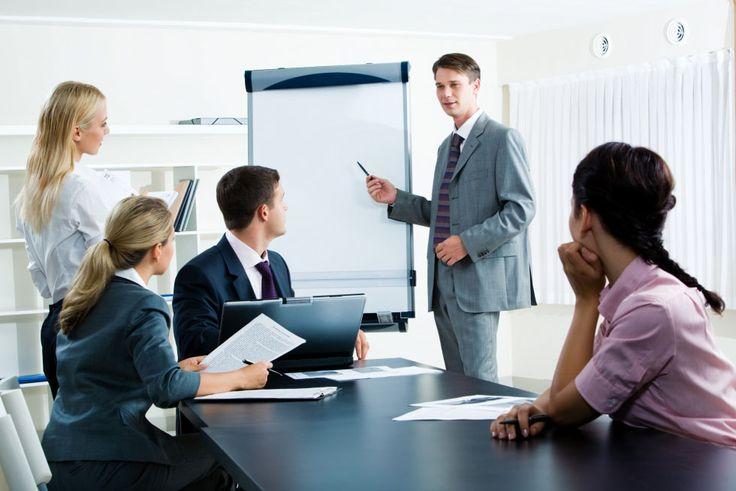 Wymagające rozmowy z pracownikami, czyli jak dyscyplinować, chwalić i motywować?