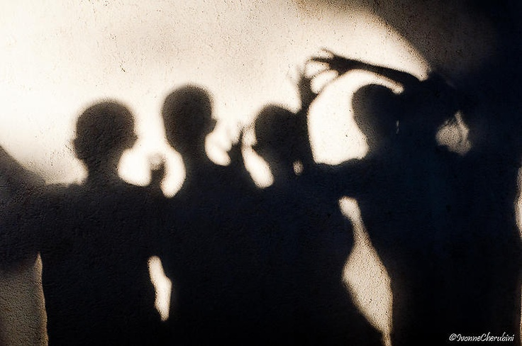 Giochi con le ombre by Ivonne - iv.cherru @ http://adoroletuefoto.it