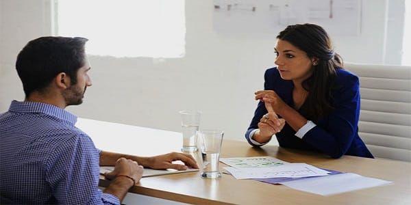 كيف أقدم نفسي بالفرنسية في مقابلة عمل مع 10 أسئلة تطرح في كل مقابلة عمل مع أجوبتها النموذجية Dreamjob Ma Job Interview Advice Interview Advice This Or That Questions