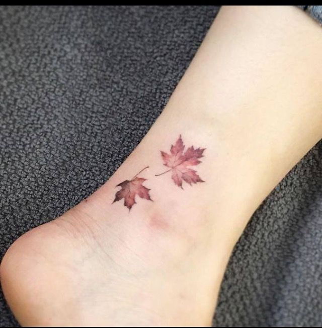 Tattoo Blätter Herbst rot klein Aquarell