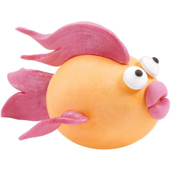 We've gone to the greatest depths to create this fun, aquatic creature. Flowing fondant fins make this hard-cooked egg seem to just glide.