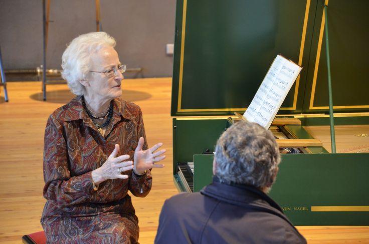 19.03.15 Marinette Extermann spricht im Salzlager Hall über die Goldberg Variationen von Johann Sebastian Bach.