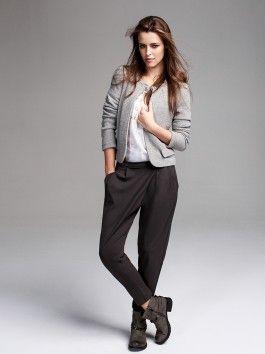 Pantaloni con pieghe asimmetriche Motivi