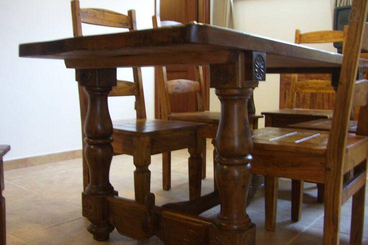 Particolari del tavolo. Details of the sardinian table. Travelogue Sardinia apt