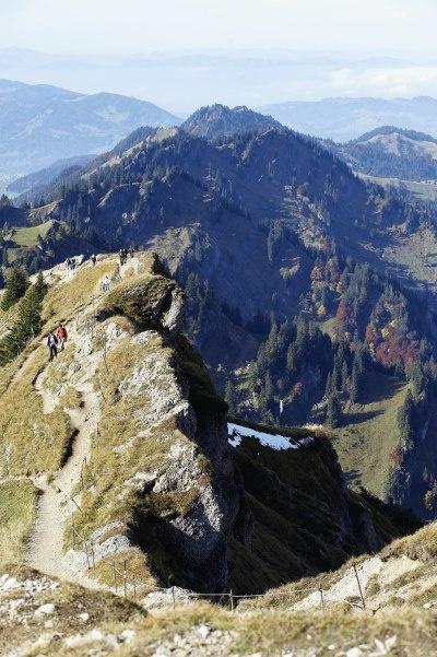 Auf Premiumwanderwegen unterwegs: die 3 exklusiven Wanderwege führen in die herrliche Welt der Alpen