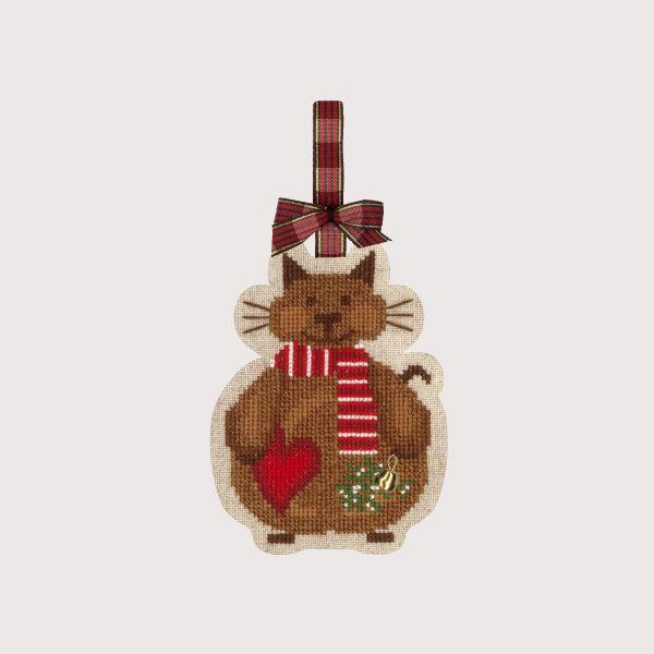 Chat Noël avec l'écharpe Bonheur des Dames Réf. 2738 Décoration-suspension à broder sur l'étamine de lin, accessoire clochette inclus présenté dans une boîte cadeaux