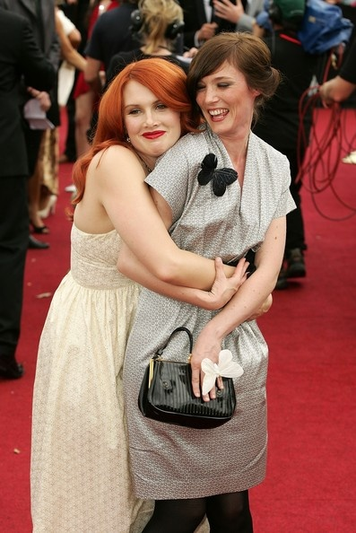 Clare Bowditch & Sarah Blasko. 2007 ARIA Awards.
