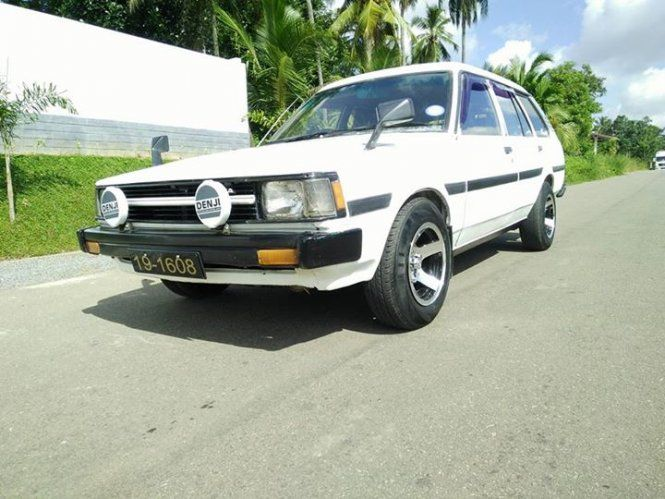 Car Toyota ke 72 (Dx wagon) For Sale Sri lanka. Corolla ke72 2n owner  A/C newly repaired  Barande new boku alloy wheel Tin body  Hedress sheet modle  Interior,body ,engine 100/. New shell  New tyer Original book Super condition car Quick sale  Price negotiate only after the inspection.