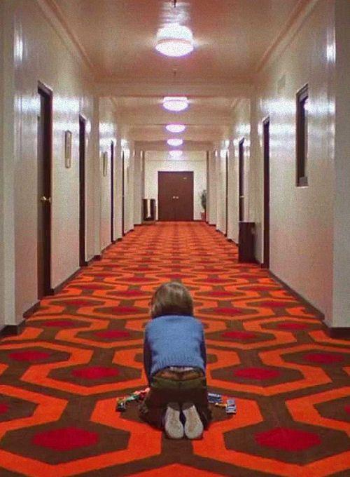 """""""Volevo dire: io, le mani addosso, non gliele ho messe, non l'ho toccato. Io, quella piccola santa testolina, non la toccherei neanche con un dito: io lo amo, quel mio figlietto di puttana!"""" -Shining (Stanley Kubrick)"""