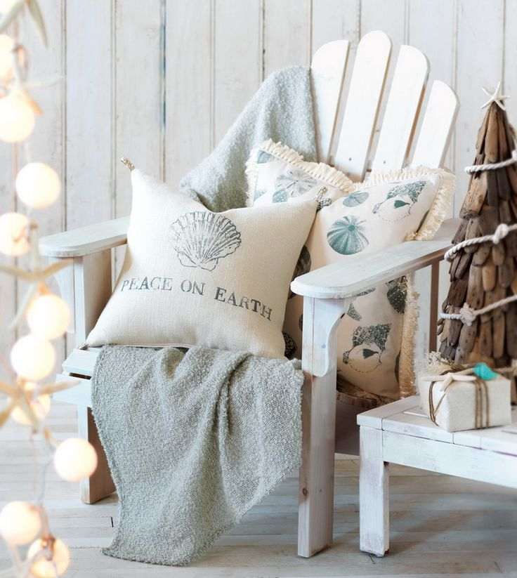 ~ ☀ ~  Okay, im not crazy about the chirstmas stuff on the pillows. but everything else... YES