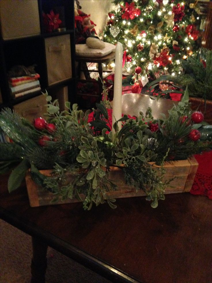 Christmas table centre in wood box