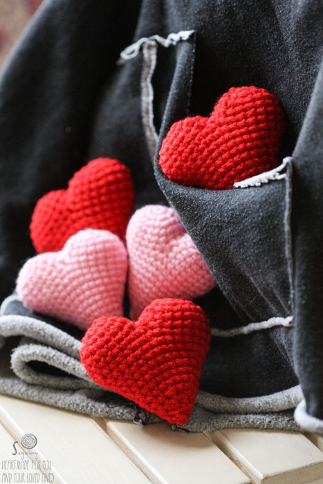 Red and pale pink pocket heart, £4.00