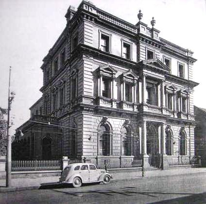 the former CBC Bank building, 315 High Street, Maitland (Hunter Valley) NSW