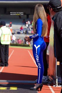 Cameltoe beautiful model in event - 1 part 8